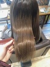 【髪質改善☆酸熱トリートメント】縮毛矯正をする程じゃない年齢によるうねりやダメージの広がりに!