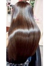 多彩な資格技術「ステップボーン&小顔補正立体カット」「AC」「整頭術スパ」美髪改善「ヘアエステ」