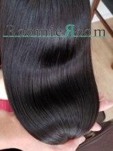 ルーミールーム(RoomieRoom)ケアとストレートの特殊手法の宝石髪ストレート