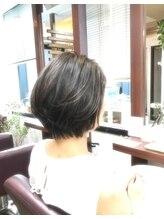 グラニーレ ヘア フィールド(Granire hair field)やわらか丸みのショートボブ