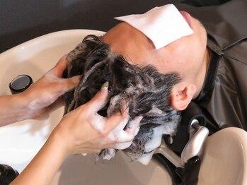 カノア(kanoa)の写真/シンプルで洗練されたリラックス空間で、癒しのヘッドスパを…程よい力加減がクセになる♪