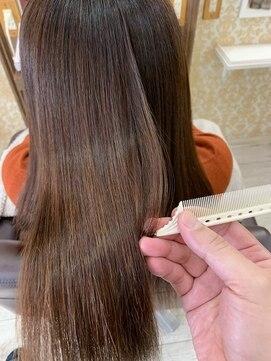 ヘアアンドメイクグラチア(HAIR and MAKE GRATIAE)縮毛矯正、カラー