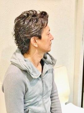 オムヘアーツー (HOMME HAIR 2)かき上げ系大人ウルフ×ニュアンスパーマHommehair2nd櫻井