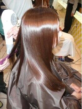 ヘアアンドメイク アール(hair&make R)の写真/髪の広がり、うねりが気になるあなたにオススメ。Rのナチュラルストレートで自然なストレートスタイルを♪