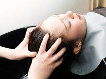 アヤラ(AYALA organic&spa)の雰囲気(アヤラのラグジュアリーヘッドスパで柔らかい頭皮へ導く…)