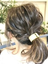 ヘアアンドメイクフリッシュ(HAIR&MAKE FRISCH)ハイライトバレイヤージュポニーテール