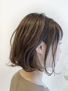 イソラヘアアトリエ(Isola hair atelier)の写真/〇大人女性に人気の3Dグレイカラー 〇似合わせハイトーンカラー 〇美しい艶感 〇いくつになっても綺麗に
