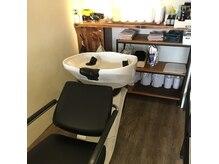ヘアサロン ホッパ(hair salon hoppa)の雰囲気(シャンプー台は半個室だからゆったりとリラックス出来ます♪)