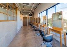 ラフィス ヘアー エルア 武庫之荘店(La fith hair elua)の雰囲気(アットホームな空間でゆったり過ごせます♪)