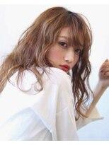 【soy-kufu】動きのある前髪と抜け感ウェーブ