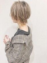 ガーデン ヘアークリエイトスペース(garden hair create space)ウルフカット×ハイトーンカラー