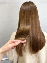 大人の髪のダメージに特化したケアメニューが豊富【髪質改善】【超音波トリートメントケアプロ】【Aujua】