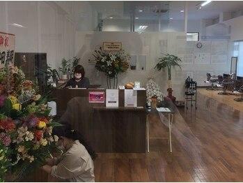 ラポールヘアー イオンSC 十和田店の写真/女性目線であなたに一番似合うヘアスタイルをご提案♪相談しやすさと寄り添った提案で支持率急上昇サロン!