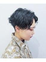 エイム ヘアメイク 横川店(eim HAIR MAKE)かっこいいセンターパートヘア × スパイラルパーマ