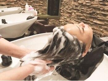 オアシス(oasis)の写真/こだわりのヘッドスパで心からリラックス♪ハーブエッセンスが髪も頭皮も癒します♪