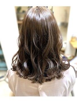 ヘアアンドメイクフリッシュ(HAIR&MAKE FRISCH)ラベンダーグレージュ ミディアム