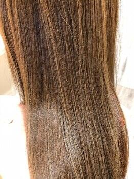 """ユリエス(JU.LI.S)の写真/""""天然由来成分92%""""ヴィラロドラカラーで頭皮に優しい◎特有の匂い/艶が気になる方へ…【髪質改善/南柏/柏】"""