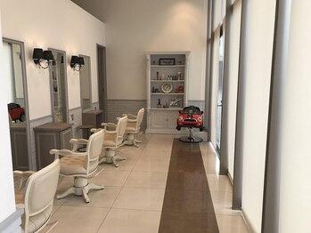 ヘアデザインロアール アリオ倉敷店(Hair Design Loire)の写真/丁寧な接客・ライフスタイルに寄り添うアットホーム感が人気の秘訣☆親子でのご来店も大歓迎です♪