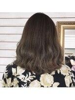 ビーヘアサロン(Beee hair salon)カーキアッシュ