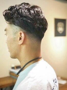 ヘアアンドメイク ロクロク(hair&make ROKUROKU)の写真/2ブロックスタイルならお任せ!ON/OFFもしっかりと使い分けられるスタイルに。朝のスタイリングも5分短縮!