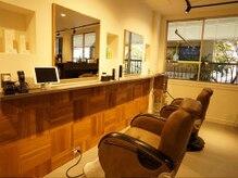 ヘアプロデュースハイドアウト(hair produce hydeout)の雰囲気(温かみのある空間でゆったりサロンタイム)