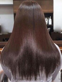 トイロヘアー(toiro hair)の写真/《駅徒歩1分/隠れ家salon》常識を覆すシルクの手触りでリピーターも多数!通う度にキレイになる素髪に感動♪