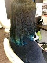 ヴィオレッタ ヘアアンドスペース(VIOLETTA hair&space)グラデーション×ブリーチ×エメラルドグリーン