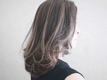 ルテラ(LUTELLA)の写真/白髪染めでも透明感のある明るいカラーに♪大人の上品ハイライトで艶感/立体感UP◎色持ちにも定評あり!