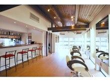 アッドランプ ヘアー 則武店(add Lamp hair)の雰囲気(木のぬくもりに溢れた開放的な空間。親子でのご来店も多い店舗♪)