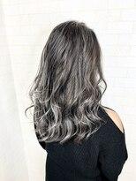 アルマヘア(Alma hair)ホワイト☆グレー
