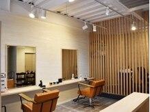 髪屋 エイト(Eight)の雰囲気(店内は開放感があり、心地よい明るさ。)