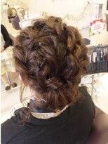アッシュ アーティスティック スタジオ オブ ヘア(Ash artistic studio of hair)編みスタイル