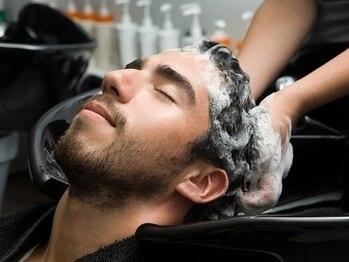 ラグシス ザ バックルーム(LUXIS THE BACK ROOM)の写真/【清潔感UP】メンズの為の頭皮ケア!男の魅力度を上げるなら≪THE BACK ROOM≫で![コロナ対策強化し営業中!]