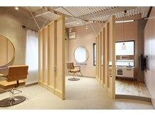 ソラス(SOLAS)の雰囲気(2Fには個室ルームとキッズルームも完備。特別なひと時を。)
