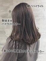 アッシュタカサキ(ash takasaki)透明感☆大人グレージュカラー×細目ハイライト