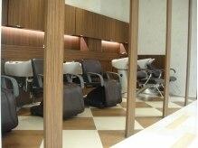 アース 五所川原店(HAIR & MAKE EARTH)の雰囲気(オリジナルのシャンプーなども人気。ゆったりとお過ごし下さい。)