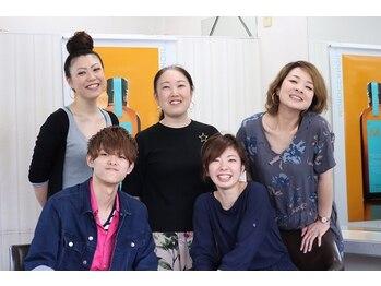 美容室シェイプの写真/経験豊富な女性スタイリスト多数在籍!!気さくなスタッフと楽しくお話ししながらオシャレを極めませんか?♪