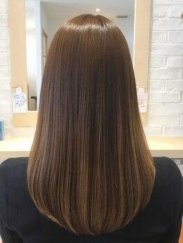 マリーナヘアー(marina hair)の写真/まるで生まれつきストレートのような質感、【カット+ネオリシオ縮毛矯正+トリートメント¥12500】