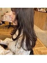アルマヘアー(Alma hair by murasaki)ロングのナチュラルラベンダーベージュ