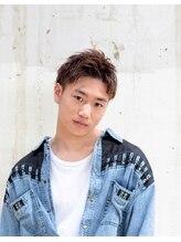 モザイク(MOSAIQUE)【東三国/新大阪】くせ毛風×前髪上げ×2ブロック×ネープレス