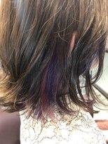 ゴッサムヘアー(Gotham Hair)エッジの効いたインナーカラー