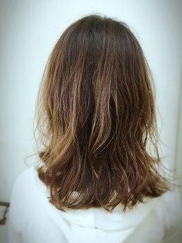 ヘアーアンドメイクアップ ボンボーノ(Buon BuonO)の写真/【那覇市金城】アロマの香りで癒し効果抜群!ヒアルロン酸スパで頭皮を健やかに保ち、美しい髪を守ります☆