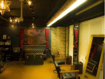 アトリエフォー(atelier 4D pocket)の写真/一人のスタイリストが仕上げまで担当◆高い技術でワンランク上のデザインが実現する少人数サロン!
