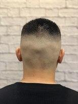 グレイスフル バーバープラチナム 六本木店(Graceful Barber platinum)【バーバースタイル】 ハイ刈り フェード 坊主