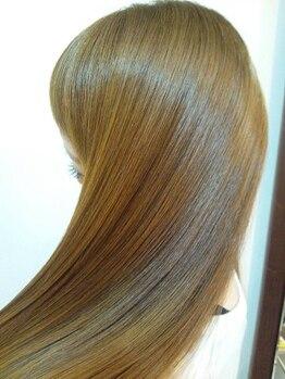 ヘアメイク コンフィアンス(Hair make confiance)の写真/【シ-ドオイルカラ-+重炭酸ケア&ケアオイル¥3770】毛髪と頭皮の事をしっかり考えたスペシャル頭皮ケア★