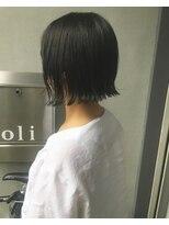 オリ(oli)切りっぱなしボブ × ブルーアッシュ 暗髪透明感カラー
