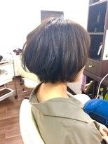 ヴィオレッタ ヘアアンドスペース(VIOLETTA hair&space)マッシュショート×グレーハイライト×ふんわり[塚口美容室]