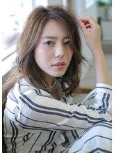 髪質改善ヘアエステ ブリスク(Brisk)大人女性に人気☆やわらか質感のルーズカールセミディ