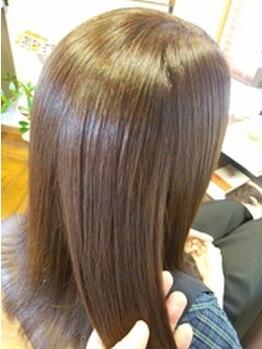 ビピット(vipit)の写真/髪と頭皮の健康を丁寧にサポート☆こだわり抜いた上質な薬剤でストレートのようにまとまりやすい艶美髪に◎