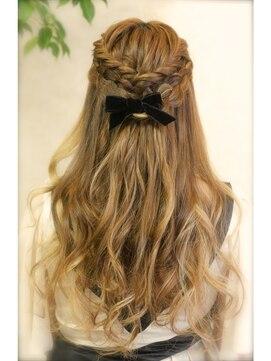 結婚式の髪型 ハーフアップ ダブルで編み込み ゆるハーフアップ ★二次会 女子会 デートに♪